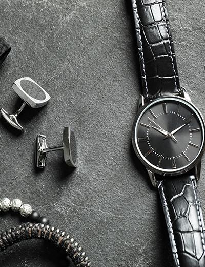 Photo d'une montre et de cadeaux à offrir
